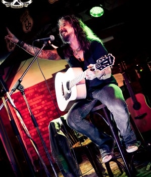 Big Noise Fest 2012 | John Corabi | Café 201